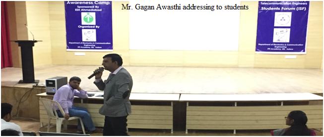 7-mr-gagan-awasthi-addressing-to-students